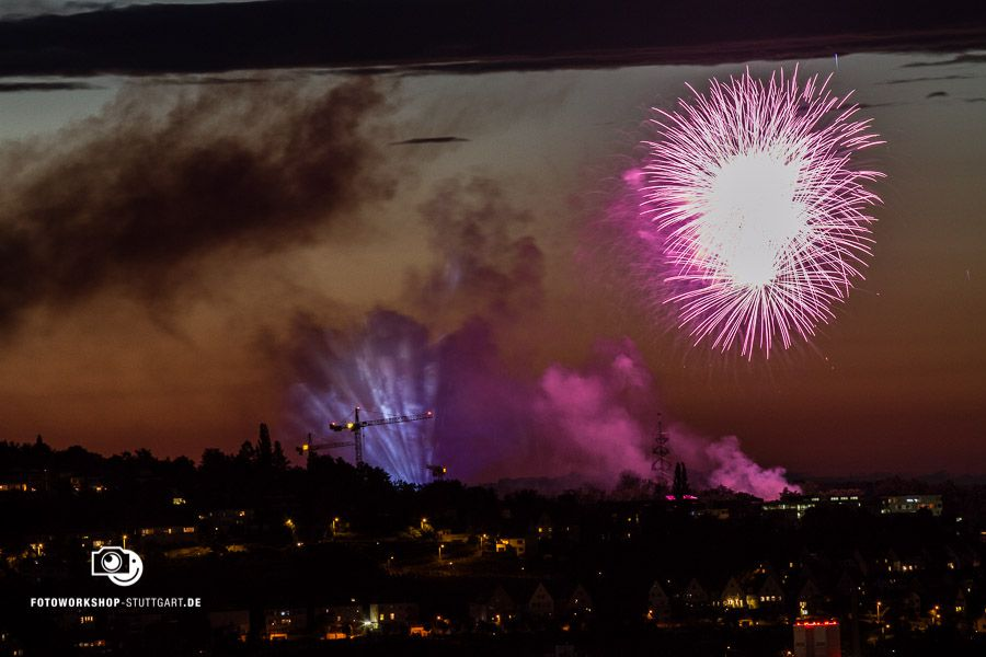 Feuerwerk richtig fotografieren. Zeit: 2 Sekunden, Blende 10, ISO 400