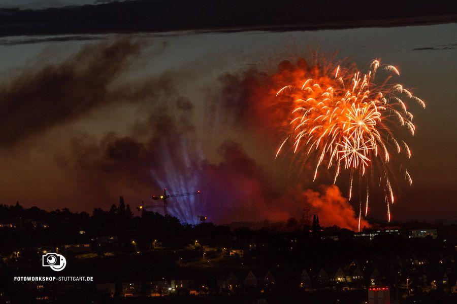 Feuerwerk richtig fotografieren. Zeit: 1,3 Sekunden, Blende 10, ISO 400