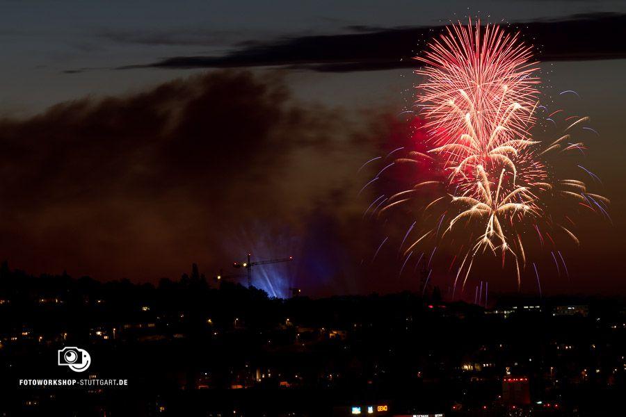 Feuerwerk richtig fotografieren. Zeit: 6 Sekunden, Blende 10, ISO 125