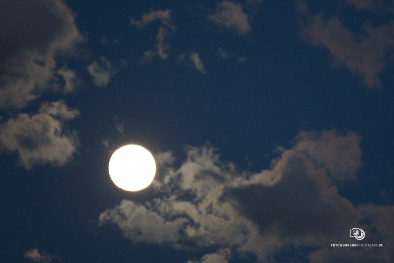 Mond-Moon-Mond-fotografieren-33265-Fotokurs-Fotoworkshop-Fotocoach-Fotocoaching-Stuttgart-Andreas-Martin